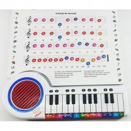Caillou Piyano Kitap